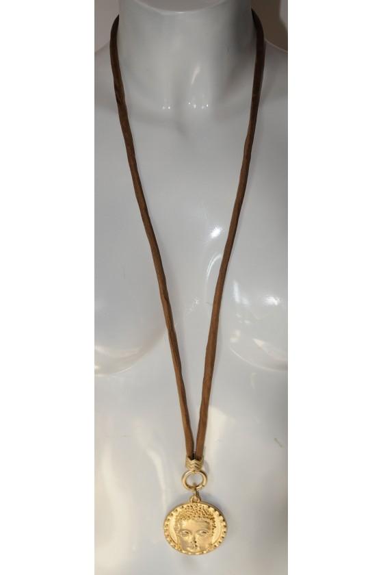 Kette, lang, Seidenband hellbraun, Buddha-Anhänger gold
