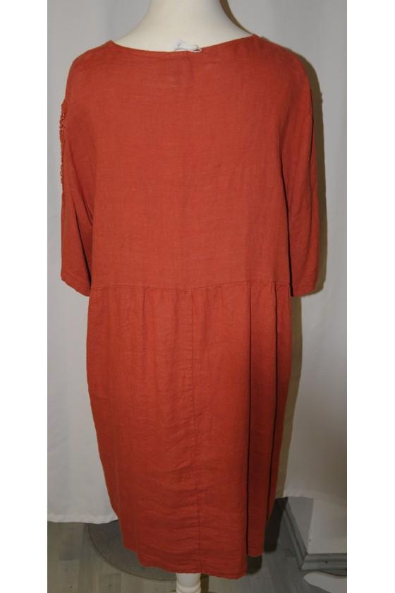 Kleid, rost, reines Leinen, Verzierung am Arm