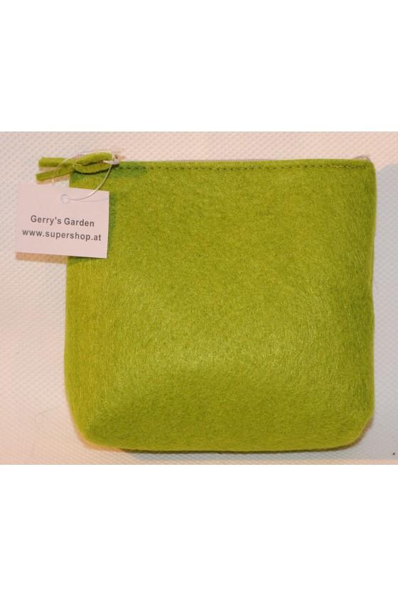 Tasche, Filztasche, grün, Hirsch vorne